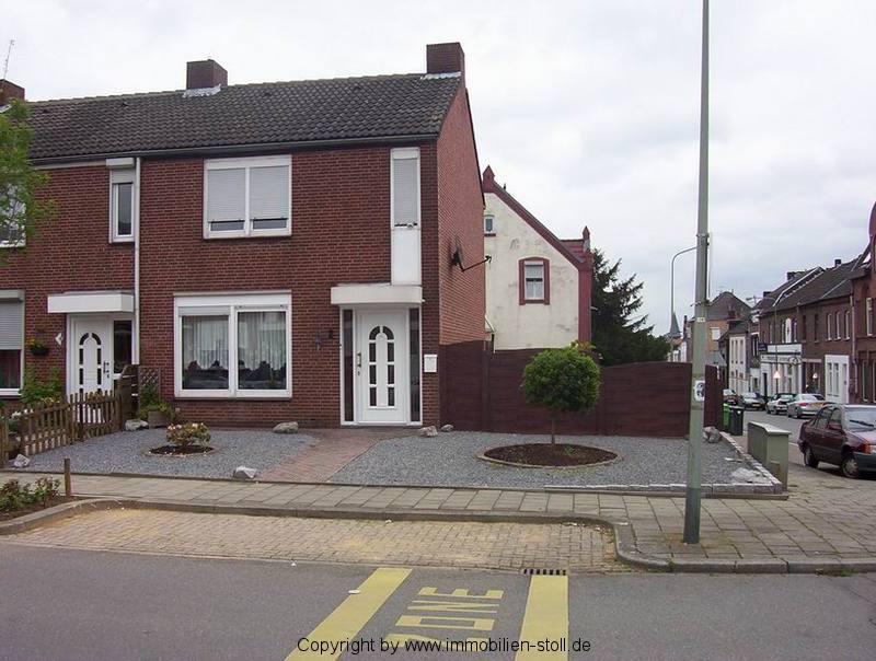 objektnummer 772 verklinkertes eckhaus mit gro er terrasse u garten. Black Bedroom Furniture Sets. Home Design Ideas